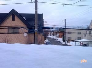 15.3.11.屋根の雪.jpg